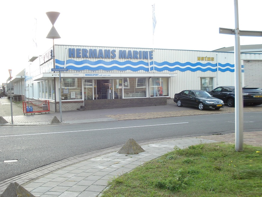 Hermans Marine Vuurwerkexpert. Middenhavenstraat 98 IJmuiden.